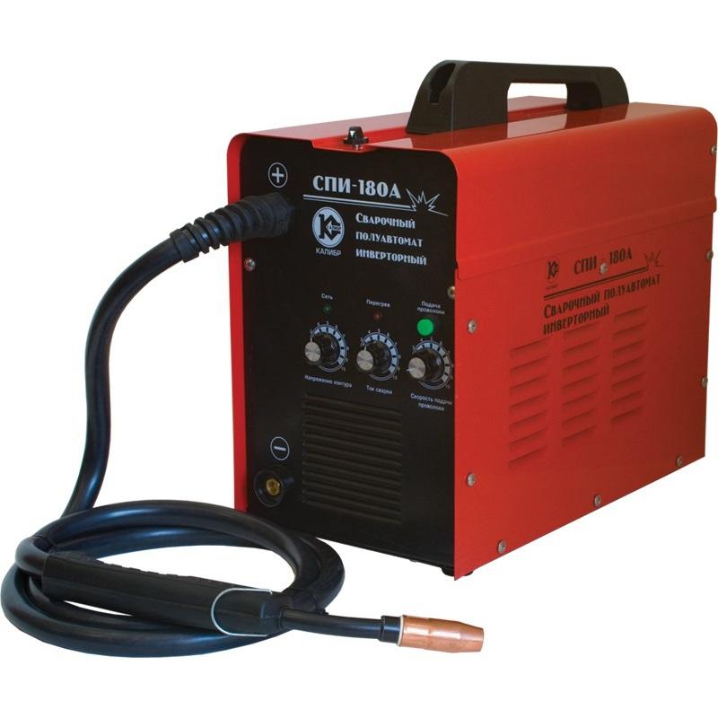 Сварочный аппарат Калибр СПИ-180АСварочные аппараты<br>Сварочный полуавтомат инверторный Калибр СПИ-180А предназначен для сварки с газом СО2 или газовой смесью аргона и СО2 , а также специально для сварки МАG низколегированной и углеродистой сталей.<br>- набор сварочных аксессуаров<br><br>Тип: сварочный инвертор<br>Сварочный ток (MMA): 50-180 А<br>Количество фаз питания: 1<br>Тип выходного тока: постоянный<br>Мощность, кВт: 5.90<br>Продолжительность включения при максимальном токе: 60 %<br>Диаметр электрода: 0.60-1 мм<br>Класс изоляции: H<br>Степень защиты: IP21S<br>Температурный диапазон работы: от 10 до 40 °C