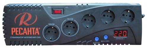 Стабилизатор напряжения Ресанта С500Стабилизаторы напряжения<br>Стабилизатор Ресанта С 500 не большой мощности используется для защиты электроприборов или электронной техники от скачков напряжения в сети. Устройство просто в применении и имеет пять евро розеток для подключения нагрузки. Защита от перенапряжения и встроенный предохранитель обеспечивают сохранность прибора в случаях превышения нагрузки или не короткого замыкания.<br><br>Тип: стабилизатор напряжения