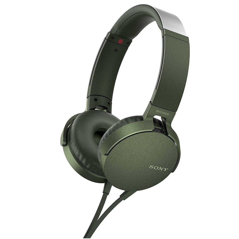 Наушники Sony MDR-XB550AP GreenНаушники и гарнитуры<br>Компания Sony представила новые наушники MDR-XB550AP с функцией EXTRA BASS - теперь музыка стала еще мощнее, громче и басистее.<br><br>Технология EXTRA BASS усиливает глубину и выразительность звука на низких частотах. Это значит, что вы сможете окунуться в мощное звучание и прочувствовать каждый бит. Диапазон воспроизводимых частот - 5 Гц – 22000 Гц.<br><br>Наушники представлены в пяти цветах – черный, красный, синий, зеленый и белый. Выглядят они очень круто и явно смогут дополнить ваш собственный стиль. Также вы сможете наслаждаться длительным комфортным прослушиванием ...<br><br>Тип: гарнитура<br>Тип акустического оформления: Открытые<br>Вид наушников: Накладные<br>Тип подключения: Проводные<br>Номинальная мощность мВт: 102<br>Диапазон воспроизводимых частот, Гц: 5 - 22000<br>Сопротивление, Импеданс: 24 Ом<br>Чувствительность дБ: 102<br>Микрофон: есть
