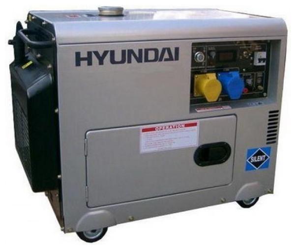 Электрогенератор Hyundai DHY-6000 SE-3Электрогенераторы<br><br><br>Тип электростанции: дизельная<br>Тип запуска: электрический<br>Число фаз: 3 (380/220 вольт)<br>Объем двигателя: 406 куб.см<br>Мощность двигателя: 10 л.с.<br>Тип охлаждения: воздушное<br>Расход топлива: 1.8 л/ч<br>Объем бака: 17 л<br>Активная мощность, Вт: 5000<br>Звукоизоляционный кожух: есть