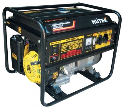 Электрогенератор Huter DY5000LЭлектрогенераторы<br>- Электрогенератор бензиновый Huter DY5000L оснащен надежным и экономичным двигателем и вместительным топливным баком, которые обеспечивают работоспособность установки довольно длительное время.<br>- Ручной тросовый стартер позволит завести двигатель в любых условиях.<br>- Агрегат оснащен информативной приборной панелью, имеющей индикацию состояния уровня масла в двигателе и топлива в баке. Это позволяет своевременно производить необходимую дозаправку.<br>- Система автоматического отключения потребителей защитит генераторную машину в случае возникновения...<br><br>Тип электростанции: бензиновая<br>Тип запуска: ручной<br>Число фаз: 1 (220 вольт)<br>Мощность двигателя: 11 л.с.<br>Тип охлаждения: воздушное<br>Расход топлива: 2.3 л/ч<br>Объем бака: 22 л<br>Активная мощность, Вт: 4000<br>Защита от перегрузок: есть