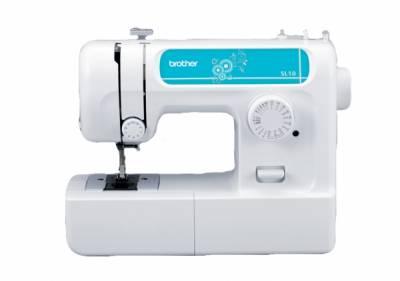 Швейная машина Brother SL-10Швейные машины<br>Brother SL-10 — отличный вариант для дома!<br>Вы ищите швейную машину, для домашнего использования? Такую, чтобы можно было быстро подшить одежду, шторы или тюль, а иногда и сшить что-нибудь не очень сложное? Тогда вам отлично подойдет швейная машина Brother SL-10. Она проста в использовании, неприхотлива в уходе и, к тому же, занимает очень мало места.<br>В комплект к модели SL-10 входит мягкий чехол для машинки, которым ее так удобно накрывать после завершения работы. Ни одна пылинка не проникнет в механизм! Кроме того, так машина будет смотреться гораздо эстетичнее...<br><br>Тип: электромеханическая<br>Тип челнока: ротационный горизонтальный<br>Количество швейных операций: 17<br>Выполнение петли: полуавтомат<br>Максимальная длина стежка: 4 мм<br>Оверлочная строчка : есть<br>Кнопка реверса: есть<br>Рукавная платформа: есть<br>Лапка для вшивания молнии: есть<br>Лапка для пришивания пуговиц: есть