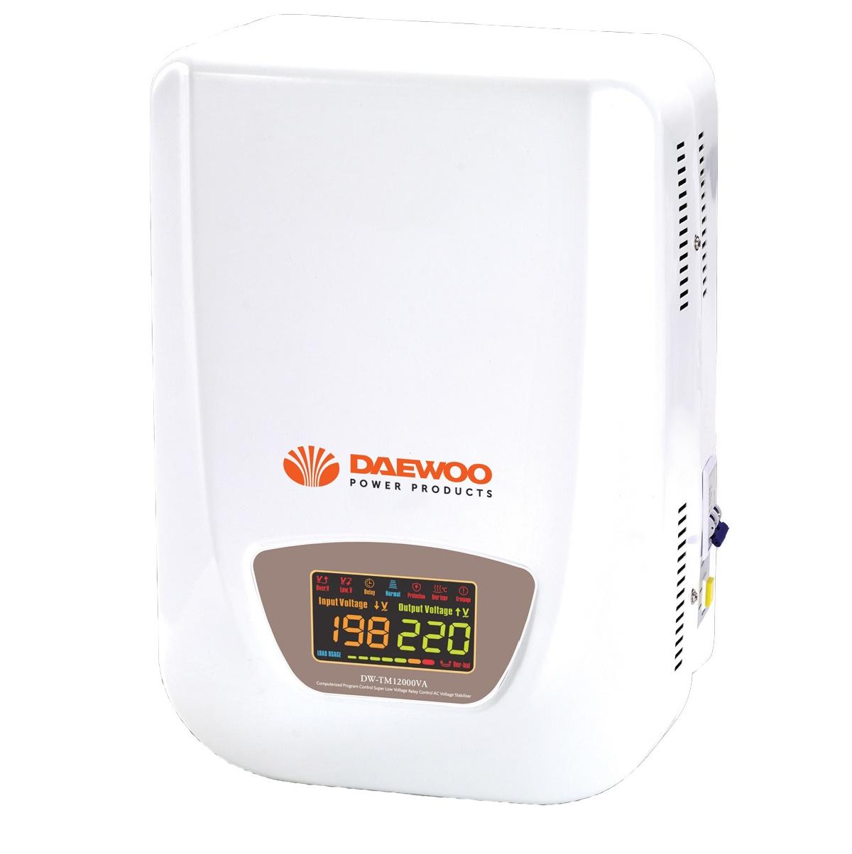 Стабилизатор напряжения Daewoo DW-TM5KVAСетевые фильтры и стабилизаторы<br>Автоматический стабилизатор напряжения DW-TM5kVA предназначен для поддержания стабильного однофазного напряжения в пределах 220 В при частоте 50/60 Гц в случаях отклонения сетевого напряжения в широких пределах по значению и длительности. Стабилизатор подходит как для бытового, так и для промышленного применения.<br><br>Стабилизатор может работать в широком диапазоне входного напряжения: от 140 В до 270 В. Возможность постоянного контроля входного и выходного напряжения обеспечена наличием многофункционального цветного дисплея.<br><br>Индикатор нагрузки позволяет...<br><br>Тип: стабилизатор напряжения