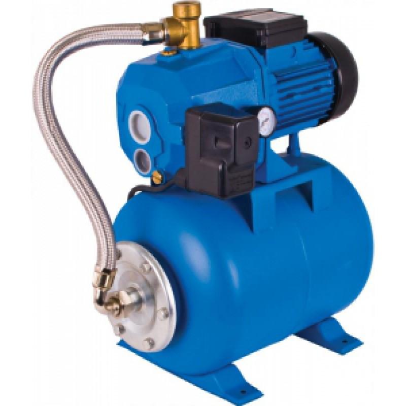 Насос Калибр СВД-1150ЧНасосы<br>Станция водоснабжения предназначена для создания водопроводной сети &amp;#40;t макс. воды 40?C&amp;#41;, в которой давление воды поддерживается в автоматическом режиме. При этом кроме традиционных потребителей &amp;#40;кухня, ванная комната, туалет&amp;#41; к такой сети могут быть присоединены водонагреватели, газовые колонки, стиральные и посудомоечные машины, системы полива и орошения. Станция состоит из насоса, гидроаккумулятора и реле давления. Корпус насоса выполненый из чугуна гасит вибрации и снижает шум.<br><br>Глубина погружения: 8 м<br>Максимальный напор: 45 м<br>Пропускная способность: 2.85 куб. м/час<br>Напряжение сети: 220/230 В<br>Потребляемая мощность: 1150 Вт<br>Качество воды: чистая
