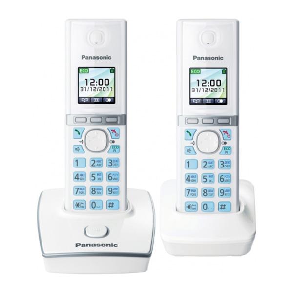 Радиотелефон Panasonic KX-TG8052RUWРадиотелефон Dect<br>Белый и голубой — разве можно представить более приятное и, в тоже время, более современное и модное сочетание цветов? Радиотелефон Panasonic KX-TG8052RUW сочетает в себе именно эти два цвета: белоснежный корпус и голубая подсветка кнопок, все вместе это выглядит очень гармонично! Цветной TFT-дисплей, 40 полифонических мелодий, журнал на 50 номеров, а также встроенная записная книга на 200 номеров и возможность к одной базе подключить до 6 телефонных трубок — используйте все функции этой модели, чтобы сделать общение легким и удобным! Будьте всегда на связ...<br><br>Тип: Радиотелефон<br>Количество трубок: 2<br>Стандарт: DECT/GAP<br>Радиус действия в помещении / на открытой местност: 1880-1900 МГц<br>Возможность набора на базе: Нет<br>Время работы трубки (режим разг. / режим ожид.): 13 / 250<br>Полифонические мелодии: 40<br>Дисплей: цветной TFT<br>Подсветка кнопок на трубке: Есть<br>Журнал номеров: 50