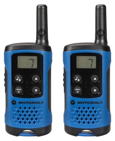 Комплект радиостанций Motorola TLKR-T41Радиостанции<br><br><br>Тип: Комплект радиостанций<br>Стандарт: PMR<br>Диапазон частот: 446-446.1 МГц<br>Мощность передатчика: 0.5 Вт<br>Радиус действия: 4 км<br>Количество каналов: 8<br>Количество элементов питания: 3<br>Вес: 74 г