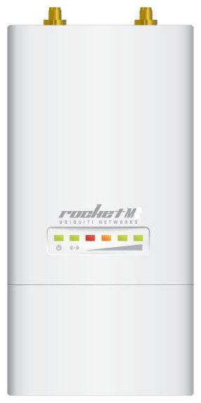 Wi-Fi точка доступа Ubiquiti RocKet M5Оборудование Wi-Fi и Bluetooth<br>Профессиональная точка доступа Ubiquiti Rocket M5 является высокопроизводительным решением операторского уровня для создания базовых станция в диапазоне 5 ГГц. Данный диапазон менее зашумлен и предпочтителен для использования в местах, где высока загрузка распространенного диапазона 2.4 ГГц.<br><br>Мощность радиомодуля Rocket M5 составляет до 27 dBm в зависимости от выбранного режима работы. Поскольку точки Rocket не имеют встроенных антенн, инженеры Ubiquiti разработали для них несколько серий внешних антенн. Это всенаправленные антенны AirMax Omni, секторные AirMax Sector и...<br>
