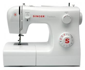 Швейная машина Singer 2250Швейные машины<br>Singer 2250 решает любые задачи!<br>Швейная машина Singer 2250 потрясающе справляется с любыми задачами! Впрочем, в этом нет ничего удивительного, ведь она умеет выполнять 10 швейных операций, имеет настраиваемую длину и ширину стежка, также умеет шить в обратном направлении, у нее есть свободный рукав и встроенное освещение.<br>Такая машинка отлично подойдет начинающим мастерам, которые только учатся швейному делу, из-за своей доступной цены и очень простой и понятной системы работы. Управление швейной машинкой Singer 2250, действительно, удобное: все только самое...<br><br>Тип: электромеханическая<br>Вышивальный блок: нет<br>Количество швейных операций: 10<br>Выполнение петли: полуавтомат<br>Кнопка реверса: есть<br>Регулировка скорости шитья: плавная<br>Рукавная платформа: есть<br>Лапка для вшивания молнии: есть<br>Отсек для аксессуаров : есть