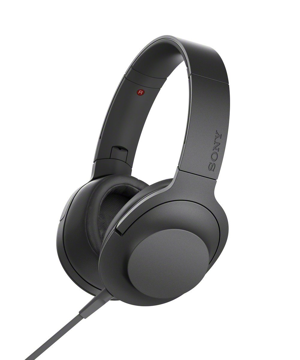 Гарнитура Sony MDR-100AAP BlackНаушники и гарнитуры<br><br><br>Тип: гарнитура<br>Тип подключения: Проводные<br>Номинальная мощность мВт: 103<br>Диапазон воспроизводимых частот, Гц: 5–60 000<br>Сопротивление, Импеданс: 24 ом<br>Чувствительность дБ: 103<br>Микрофон: есть