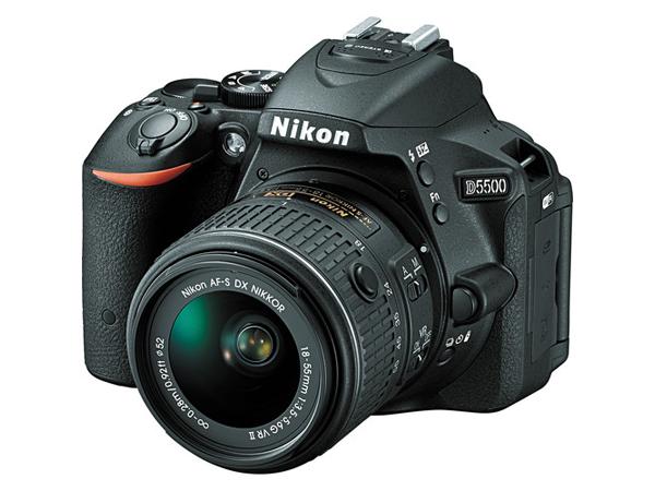 Зеркальный фотоаппарат Nikon D5500 KIT 18-105 VRЦифровые зеркальные фотоаппараты<br><br><br>Тип: Цифровая зеркальная фотокамера<br>Стабилизатор изображения: нет<br>Носители информации: CompactFlash, SD, SDHC, SDXC<br>Видеорежим: есть<br>Звук в видеоклипе: есть<br>Вспышка: есть<br>Кроп фактор: 1.5<br>Тип матрицы: CMOS<br>Размер матрицы: APS-C (23.5 x 15.6 мм)<br>Число эффективных пикселов, Mp: 24.2 млн