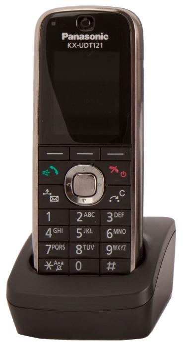 IP телефон Panasonic KX-UDT121RUSIP-телефоны<br>Переходите на IP-телефонию с Panasonic KX-UDT121RU!<br>Вы знаете, почему сегодня большинство офисов перешли с аналоговой телефонии на IP-телефонию? Ответ очевиден: такой вид связи не только значительно удобнее и качественнее, чем классическая телефонная связь, но еще и в несколько раз выгоднее. Что же нужно для того, чтобы начать пользоваться IP-телефонией?<br>Совсем немного: лишь удобный и современный IP-телефон. Такой, как IP телефон Panasonic KX-UDT121RU. Поддержка DECT, SIP, возможность подключения гарнитуры, встроенная телефонная книга на 500 абонентов, конференцсвязь, встроенный...<br><br>Тип: VoIP-телефон<br>Поддержка DECT: есть<br>Поддержка SIP: есть<br>Подключение гарнитуры: есть<br>Встроенная телефонная книг: есть, 500 контактов<br>Конференц-связь: есть