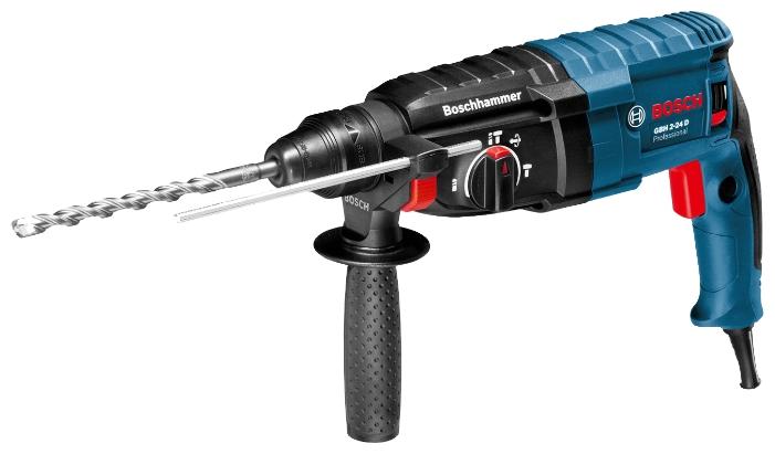 Перфоратор Bosch GBH 2-24 D [06112A0000]Перфораторы<br>Высокопроизводительный универсальный инструмент<br><br>Потребительские преимущества<br>- Быстрое выполнение работы благодаря высокой скорости при сверлении и высокая производительность при долблении благодаря двигателю мощностью 790 Вт и энергии единичного удара 2,7 Дж<br>- Надежный и высокопрочный инструмент с долгим сроком службы благодаря высококачественным элементам и компактной конструкции<br>- Разнообразные области применения с блокировкой вращения в режиме долбления<br><br>Дополнительные преимущества<br>- Шарнирное крепление кабеля для предотвращения...<br><br>Тип крепления бура: SDS-Plus<br>Количество скоростей работы: 1<br>Потребляемая мощность: 790 Вт<br>Макс. энергия удара: 2.7 Дж<br>Макс. диаметр сверления (дерево): 30 мм<br>Макс. диаметр сверления (металл): 13 мм<br>Макс. диаметр сверления (бетон): 24 мм<br>Макс. диаметр сверления (полой коронкой): 68 мм<br>Питание: от сети<br>Шуруповерт: есть