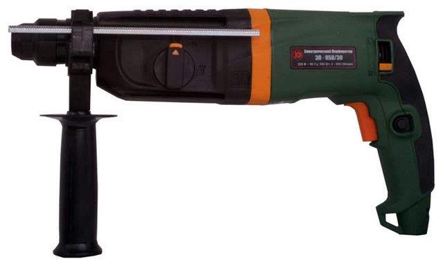 Перфоратор Калибр ЭП-950/30Перфораторы<br><br><br>Тип крепления бура: SDS-Plus<br>Количество скоростей работы: 1<br>Потребляемая мощность: 950 Вт<br>Макс. энергия удара: 3.2 Дж<br>Макс. диаметр сверления (дерево): 40 мм<br>Макс. диаметр сверления (металл): 13 мм<br>Макс. диаметр сверления (бетон): 30 мм<br>Питание: от сети<br>Шуруповерт: есть<br>Возможности: реверс, фиксация шпинделя