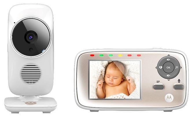 Радионяня Motorola MBP667 WhiteРадионяни<br>Новинка! Модель MBP667&amp;nbsp;&amp;nbsp;– это принципиально новая модель видеоняни, которая позволяет просматривать изображение не только с родительского блока, но также с помощью других устройств, благодаря бесплатному приложению Hubble for Motorola Monitors. Родительский блок видеоняни MBP667Connect &amp;#40;диагональ дисплея 2,8 дюйма&amp;#41; может работать либо от постоянного источника питания 220В, либо от аккумулятора. Используя другие устройства &amp;#40;смартфон, планшет, ПК&amp;#41;, наблюдение за ребенком можно также осуществлять через Интернет или Wi-Fi сети благодаря бесплатном...<br>