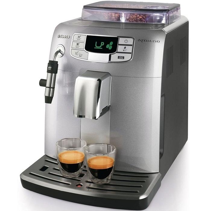 Кофемашина Saeco Intelia Class EVO HD 8752/85Кофеварки и кофемашины<br>Saeco Intelia Class EVO HD 8752/85 для самых требовательных.<br>Симпатичная, аккуратная, стильная и очень функциональная — кофемашина Saeco Intelia Class EVO HD 8752/85 отвечает всем самым требованиям даже самых взыскательных любителей кофе. Зачем ходить в дорогие кофейни, когда вкуснейший кофе, приготовленный в лучших итальянских традициях, можно сварить прямо у себя дома или в офисе? Точнее, эта кофемашина сама все приготовит, вам же останется только получать удовольствие.<br>Регулировка температуры и крепости напитка, автоматический капучинатор, функция предварительного...<br><br>Тип : зерновая кофемашина<br>Тип используемого кофе: Зерновой\Молотый<br>Мощность, Вт: 1900<br>Объем, л: 1.5<br>Давление помпы, бар  : 15<br>Емкость контейнера для зерен, г  : 300