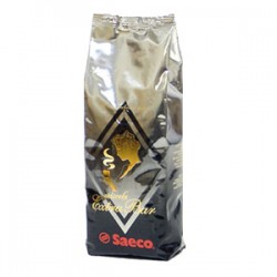 Кофе в зернах Saeco Extra Bar 0,5 кг.Кофе, какао<br><br><br>Тип: кофе в зернах<br>Обжарка кофе: средняя<br>Дополнительно: 75% арабика, 25% робуста Изысканный напиток для гурманов - сочетание нежности и силы. Чуть горьковатый, эспрессо из Saeco Extra Bar обладает объемным насыщенным вкусом и чудесным ароматом. Это кофе доставит удовольствие в течение всего дня даже самому строгому ценителю кофе.