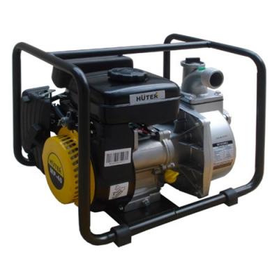 Мотопомпа Huter MP-40Мотопомпы<br>Бензиновая мотопомпа Huter MP-40 будет уместна как в частных домовладениях, так и в коммунальных службах для перекачивания чистой воды в больших количествах. Агрегат создан в лучших немецких традициях, ориентированных на качество. В его основе лежит одноцилиндровый четырехтактный двигатель внутреннего сгорания с верхним расположением клапанов. Такая компоновка способствует повышению эффективности силового агрегата, увеличению его срока службы и снижению расхода топлива. В качестве последнего используется чистый бензин. Вместительность топливного...<br>