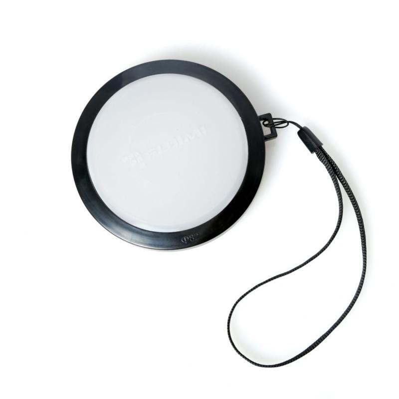 Крышка для настройки баланса белого FUJIMI FJ-WBLC72Аксессуары для фототехники<br><br><br>Цвет : черный<br>Комплектация: 1 х крышка объектива. 1 х переходное кольцо. 1 х страховочная верёвочка<br>Дополнительно: диаметр: 72 мм