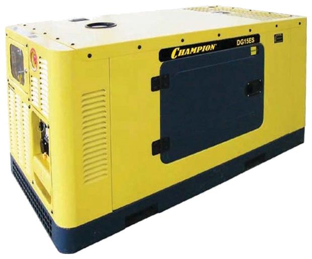 Электрогенератор Champion DG15ESЭлектрогенераторы<br><br><br>Тип электростанции: дизельная<br>Тип запуска: электрический, автоматический<br>Число фаз: 1 (220 вольт)<br>Объем двигателя: 2546 куб.см<br>Мощность двигателя: 27.2 л.с.<br>Тип охлаждения: жидкостное<br>Расход топлива: 4 л/ч<br>Объем бака: 50 л<br>Активная мощность, Вт: 15000<br>Звукоизоляционный кожух: есть