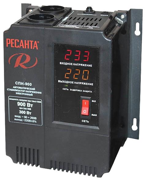 Стабилизатор напряжения Ресанта СПН-900Стабилизаторы напряжения<br>Стабилизатор Ресанта СПН 9000 предназначен для защиты электроники, цифровой и оргтехники, а также бытовых электроприборов от перепадов напряжения в сети. Прибор имеет мощность 9 кВт, что позволяет использовать его в частном доме, квартире или офисном помещении. Цифровой дисплей позволяет осуществлять визуальный контроль работы прибора. Удобные крепления и не большие габаритные размеры дают возможность разместить стабилизатор в любом удобном месте.<br><br>Тип: стабилизатор напряжения