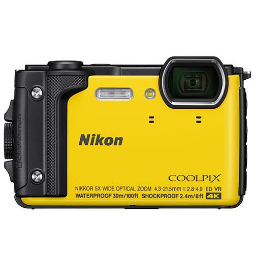 Цифровой фотоаппарат Nikon Coolpix W300 YellowЦифровые фотоаппараты<br>Производители все реже представляют новинки компактных камер. Это неудивительно, ведь данный сегмент устройств резко сократился в последние годы под натиском камер смартфонов.<br> <br>Nikon Coolpix W300 — это первая компактная камера Nikon, представленная в 2017 году.<br> <br>Модель, как это хорошо видно по ее внешнему виду, имеет защищенный корпус. Причем, в данном случае защита действительно очень продвинутая. Камера выдерживает погружения под воду &amp;#40;до 30 м&amp;#41;, не боится падений с высоты до 2,4 м. Также она может работать при температуре до -10 °C.<br> <br>Она рассчитана для использования...<br><br>Кроп фактор: 5.62<br>Тип матрицы: CMOS<br>Размер матрицы: 1/2.3<br>Количество эффективных мегапикселей: 16<br>Чувствительность: 125 - 3200 ISO, Auto ISO