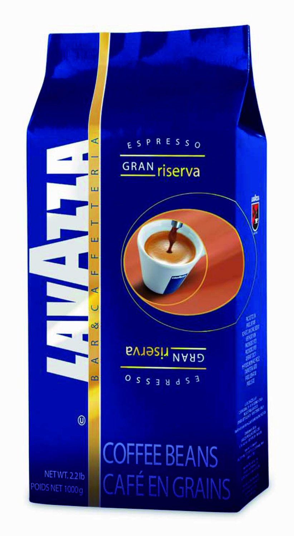 Кофе в зернах Lavazza Gran Riserva 1000грКофе, какао<br>Lavazza Gran Riserva —кофе в лучших традициях.<br>Бразилия и Центральная Америка — вот места лучших кофейных плантаций, где растут элитные сорта арабики и робусты. Кофе в зернах Lavazza Gran Riserva соединил все лучшие традиции, что становится сразу понятно по его богатому вкусу и узнаваемому аромату.<br>Сбалансированный вкус, долгое приятное послевкусие — вот результат идеального смешения бразильской арабики и особого сорта робусты «Каапи Ройаля». Средняя классическая обжарка зерен дарит мягкий вкус, но при этом богатый и очень насыщенный. Экономичная вакуумная...<br><br>Тип: кофе в зернах<br>Характеристика вкуса: Сбалансированный<br>Обжарка кофе: средняя<br>Кофеин: С кофеином<br>Состав: 70% Арабика/ 30% Робуста<br>Дополнительно: 70% Арабика, 30% Робуста, вакуумная упаковкa