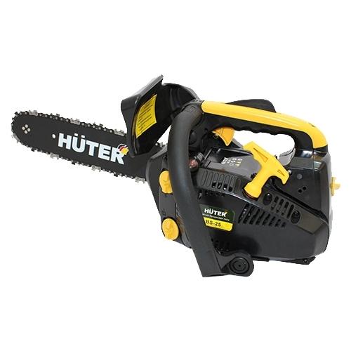 Бензопила Huter BS-25Пилы<br>Бензопила Huter BS-25 - инструмент для бытового использования, например, для подрезки деревьев в саду, небольшого ремонта. Оснащена двигателем мощностью 1.1 л.с. Для удобства при длительной работе пила оборудована виброгасящей системой. Смазка цепи происходит автоматически. Рукоятка бензопилы Huter BS-25 имеет удобную для захвата форму. Расширенная нижняя часть рукоятки - для защиты руки при разрыве цепи. При нажатии на передний упор срабатывает тормоз и пильная цепь моментально останавливается. Пила укомплектована шиной длиной 30 см для подрезки небольших...<br><br>Тип: бензопила<br>Конструкция: ручная<br>Мощность, Вт: 800<br>Объем двигателя: 25 куб. см<br>Функции и возможности: антивибрация, тормоз цепи