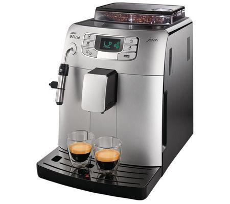 Кофемашина Philips Saeco HD 8752 Intelia ClassКофеварки и кофемашины<br>Saeco Intelia Class — хранитель традиций.<br>Кофемашина Saeco Intelia Class — это настоящий хранитель классических традиций. Ведь она знает множество самых вкусных рецептов кофе и готова воплотить в жизнь любой из них! Вам нужно лишь определиться с выбором и нажать на кнопку. Что дальше? Дальше обо всем позаботится эта умная и очень функциональная кофемашина. Немного терпения, и вот любимый ароматный напиток уже у вас в руках, можно наслаждаться!<br>Вы обязательно оцените такую кофемашину на самый высший балл. Точно так, как это уже сделали сотни ее владельцев, в чем...<br><br>Тип : зерновая кофемашина<br>Тип используемого кофе: Зерновой\Молотый<br>Мощность, Вт: 1900<br>Объем, л: 1.5<br>Давление помпы, бар  : 15<br>Встроенная кофемолка: Есть<br>Емкость контейнера для зерен, г  : 300<br>Одновременное приготовление двух чашек  : Есть<br>Контейнер для отходов  : Есть<br>Съемный лоток для сбора капель  : Есть