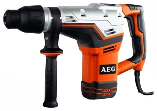 Перфоратор AEG 418160 KH 5 GПерфораторы<br>Перфоратор AEG KH 5 G 418160 прекрасно подходит для тяжелых ремонтных и строительных работ. Он имеет 2 режима работы: долбление и бурение. Благодаря тому, что корпус инструмента изготовлен из магниевого сплава, он ударопрочный, обеспечивает точность посадок и прекрасный теплоотвод.<br><br>Тип крепления бура: SDS-Max<br>Количество скоростей работы: 1<br>Потребляемая мощность: 1100 Вт<br>Макс. энергия удара: 7.5 Дж<br>Макс. диаметр сверления (бетон): 40 мм<br>Питание: от сети<br>Возможности: предохранительная муфта, антивибрационная система, электронная защита от перегрузок<br>Описание: длина сетевого кабеля 4 м