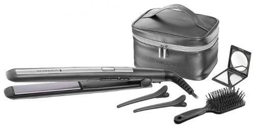 Щипцы Remington S 5506 GPФены и щипцы<br>Подарочный набор выпрямителя&amp;nbsp;&amp;nbsp;Remington PRO-Ceramic Titanium состоит из всех необходимых предметов для создания идеальной укладки. Вы сможете достичь гладкой и идеально прямой укладки без особых усилий и в домашних условиях.<br><br>Выпрямитель обладает удлиненными и плавающими пластинами и обеспечивает равномерное давление на прядь волос от корней до кончиков и выпрямление за одно применение. Прибор комплектуется термостойким чехлом и имеет механизм запирания пластин, что отлично подходит для хранения и путешествий.<br><br>Тип: Щипцы<br>Максимальная температура нагрева, С.: 230<br>Керамическое покрытие насадок: Есть<br>Индикация включения: Есть<br>Защита от перегрева: Есть<br>Вращение шнура: Есть