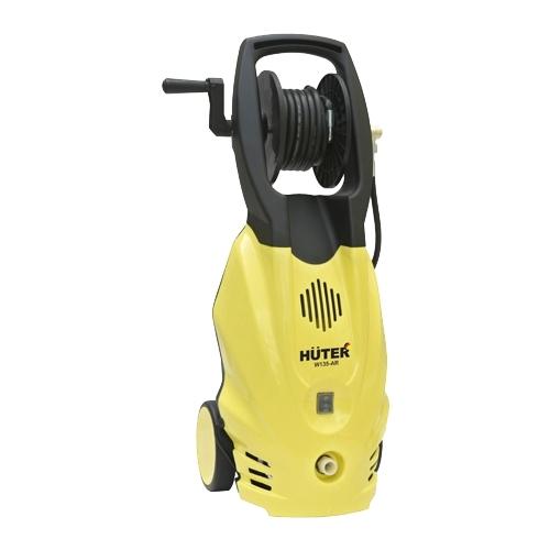 Мойка высокого давления Huter W135-ARМойки высокого давления<br>- В конструкцию корпуса мойки высокого давления Huter W135-AR интегрирован специальный барабан, содержащий намотанный на него выходной шланг высокого давления. Это повышает удобство конструкции во всех отношениях.<br>- Патрубок для подключения входного шланга расположен в нижней части и не нарушает устойчивость агрегата.<br>- Наличие на корпусе пары колес и прочной удобной рукояти существенно облегчает ручное перемещение минимойки и её установку.<br>- Мощный однофазный электропривод дает возможность создавать эффективную для моечных работ струю воды....<br><br>Давление, Бар: 135<br>Производительность, л/час: 360<br>Потребляемая мощность: 1.65 кВт<br>Напряжение сети: 220/230 В<br>Шланг ВД: способ хранения: катушка