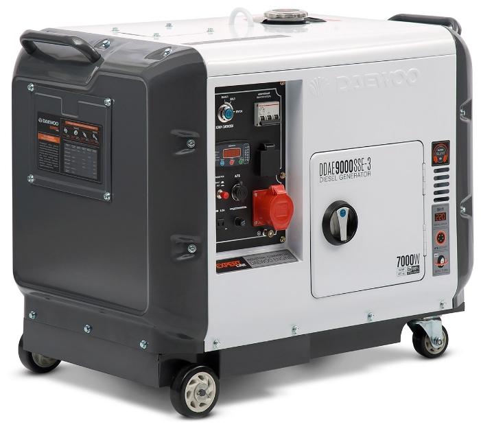 Электрогенератор Daewoo DDAE9000SSE-3 Extra silentЭлектрогенераторы<br>Представляет собой трехфазное устройство, служащее аварийным источником электроэнергии для помещений, стройплощадок.<br><br>- Альтернатор выполнен из меди и вырабатывает ток высокого качества.<br>- Возможен запуск генератора с помощью электростартера.<br>- Комфортное управление благодаря контролю напряжения, уровня масла и других параметров.<br>- Низкий уровень шума<br>- Встроенная защита от перегрузок.<br>- Надежный металлический корпус, защищающий от пыли<br>- Легкая транспортировка генератора за счет колес, стойких к износу.<br><br>Тип электростанции: дизельная<br>Тип запуска: электрический<br>Число фаз: 3 (380/220 вольт)<br>Объем двигателя: 480 куб.см<br>Мощность двигателя: 15 л.с.<br>Тип охлаждения: воздушное<br>Объем бака: 15 л<br>Активная мощность, Вт: 6400<br>Звукоизоляционный кожух: есть<br>Защита от перегрузок: есть
