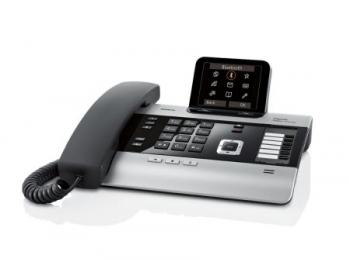 IP телефон Gigaset DX800A Titan (Siemens)SIP-телефоны<br>Gigaset DX800A Titan: новый взгляд на телефонию.<br>Может ли современный телефон сочетать в себе высокое качество, удобный интерфейс, современный дизайн и доступную цену? Конечно, может. Если речь идет о такой модели, как IP телефон Gigaset DX800A Titan. Хотите узнать, что в нем такого примечательного?<br>Самые современные технологии телефонной связи — соединение с помощью интернет-протокола, встроенные интерфейсы WAN, LAN, FXS, USB, определитель номер, цветной дисплей, возможность подключения шести дополнительных трубок. Все это — лишь небольшая часть богатых возможностей...<br>