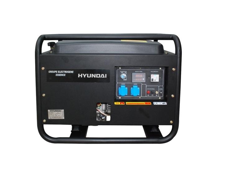 Электрогенератор Hyundai HY7000SEЭлектрогенераторы<br><br><br>Тип электростанции: бензиновая<br>Тип запуска: ручной, электрический<br>Число фаз: 1 (220 вольт)<br>Тип охлаждения: воздушное<br>Объем бака: 22 л<br>Активная мощность, Вт: 4800<br>Звукоизоляционный кожух: есть<br>Защита от перегрузок: есть