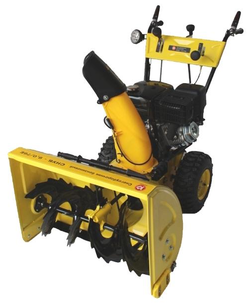 Снегоуборщик Калибр СНУБ - 9,0/76 ЕСнегоуборщики<br>Бензиновый снегоуборщик Калибр СНУБ-11.0/76 Е используется для очистки от снега парковых, подъездных дорожек, небольших автостоянок. Агрегат оснащен двигателем мощностью 11 л.с. Ширина обработки за один проход составляет 76 см. Предусмотрено 7 скоростных режимов - 5 вперед и 2 назад. Благодаря тому, что снегоуборщик оборудован фарой, можно работать в непогоду или в темное время суток.<br><br>Тип: снегоуборочная машина<br>Тип системы очистки: двухступенчатая<br>Ширина захвата, см: 76<br>Высота захвата, см: 51<br>Дальность выброса снега, м: 11<br>Материал шнека: металл<br>Форма шнеков: рельефная (зубчатая)<br>Материал желоба выброса снега: металл<br>Регулировка положения желоба выброса снега: механическая, с панели управления<br>Мощность двигателя: 9 л.с.