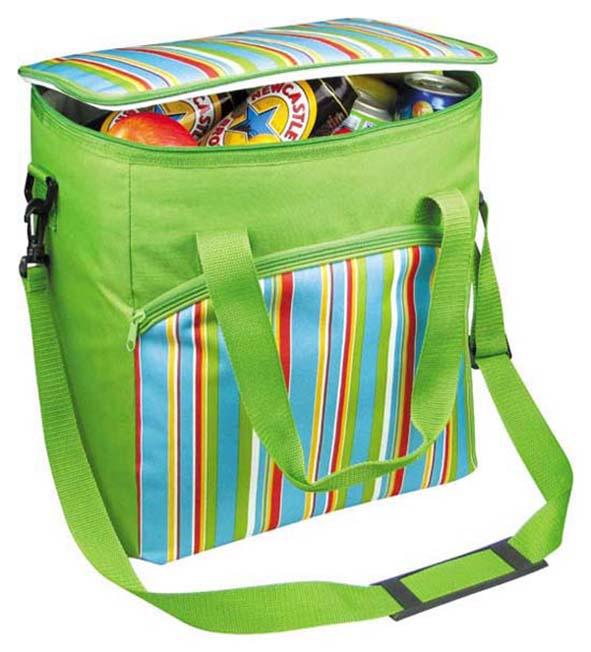 Термосумка Green Glade P1632Термосумки<br>Изотермическая сумка Green glade 32л P1632 популярна среди любителей путешествий, походов и рыбалок. Изготовлена из прочного материала - полиэстера. Она поддерживает температуру продуктов на одном уровне на протяжении 12 часов. Прекрасно подходит для напитков, горячих и холодных продуктов питания. Внутренний объем - 32 л.<br><br>Тип: термосумка<br>Объем, л: 32<br>Материал: полиэстер<br>Сохранение температурного режима: 12 ч