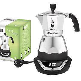 Кофеварка Bialetti Moka timer 6 п. 6093 (электрический)Кофеварки и кофемашины<br>Электрическая гейзерная кофеварка Биалетти Мока Таймер на 6 порций &amp;#40;240 мл.&amp;#41; для тех кто любит просыпаться под неповторимый аромат свежезаваренного кофе! Таймер позволяет установить время начала приготовления кофе. 5-6 минут и кофе готов! Кофеварка Bialetti Moka Timer поддерживает кофе горячим еще в течение 25 минут после приготовления.<br><br>Тип : гейзерная кофеварка<br>Объем, л: 0.24