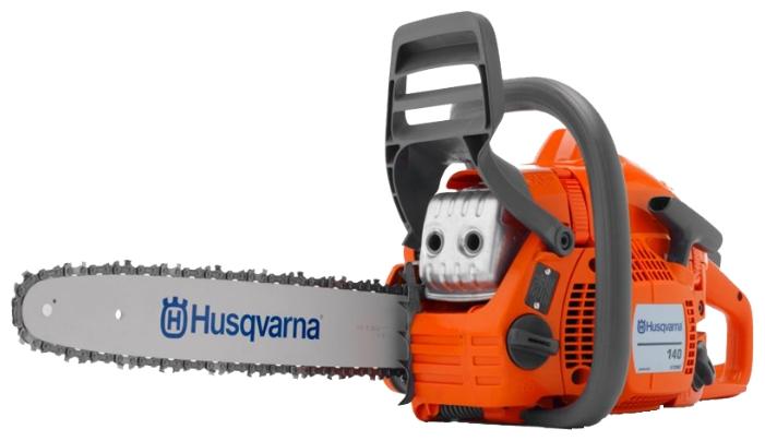 Бензопила Husqvarna 140Пилы<br><br><br>Тип: бензопила<br>Конструкция: ручная<br>Мощность, Вт: 1600<br>Объем двигателя: 40.9 куб. см<br>Функции и возможности: антивибрация, тормоз цепи