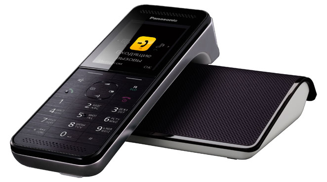 Радиотелефон Panasonic KX-PRW120RUWРадиотелефон Dect<br>Panasonic kx prw120ruw — настоящий эксклюзив.<br>Радиотелефон Panasonic kx prw120ruw вполне можно назвать «телефоном последнего поколения», ведь создатели наделили его не только всем самым лучшим от классических радиотелефонов, но и дополнили его потрясающим дизайном, удобным и невероятно стильным.<br>Совершенно плоский корпус напоминает больше современный мобильник, чем радиотелефон. Стильные удобные кнопки, цветной дисплей, максимально продуманная форма, элегантная база — с первого взгляда становится понятно, что перед вами не рядовой аппарат, а настоящий эксклюзив!...<br><br>Тип: Радиотелефон<br>Количество трубок: 1<br>Время работы трубки (режим разг. / режим ожид.): 11/150<br>Полифонические мелодии: 40<br>Дисплей: цветной TFT дисплей<br>Подсветка кнопок на трубке: Есть<br>Журнал номеров: 50