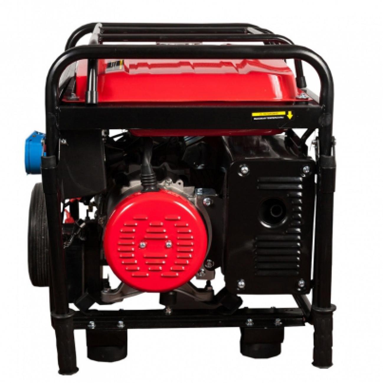 Электрогенератор DDE DPG6501ЕЭлектрогенераторы<br><br><br>Объем двигателя: 420 куб.см<br>Мощность двигателя: 14 л.с.<br>Расход топлива: 3.1 л/ч<br>Объем бака: 25 л<br>Тип генератора: синхронный<br>Класс защиты генератора: IP23<br>Активная мощность, Вт: 6500
