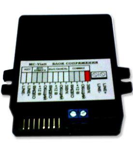 Дополнительный модуль Commax MC VizitДомофоны<br>Внешний модуль сопряжения любого видеодомофона c координатным подъездным аудиодомофоном, 3 вызывных блока и 1 камера осмотра.<br>