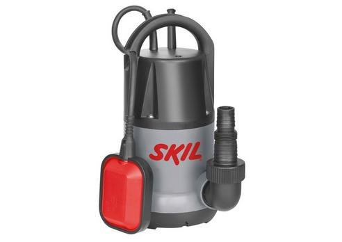 Насос Skil 0805 RA [F0150805RA]Насосы<br>Погружной насос Skil 0805 – идеальный инструмент для слива, откачивания и перекачивания чистой или слабо загрязненной воды, например, в затопленных подвалах или небольших плавательных бассейнах. Благодаря высокой производительности насос способен быстро перекачать большие объемы воды со скоростью до 6500 литров в час. В зависимости от выполняемой задачи поплавковый выключатель приводится в действие вручную или автоматически. Skil 0805 способен откачивать воду в ручном режиме до уровня 5 мм. Инструмент поставляется с универсальным разъемом для шланга....<br><br>Глубина погружения: 7 м<br>Максимальный напор: 6 м<br>Напряжение сети: 220/230 В<br>Потребляемая мощность: 300 Вт<br>Качество воды: чистая<br>Размер фильтруемых частиц: 5 мм<br>Установка насоса: вертикальная