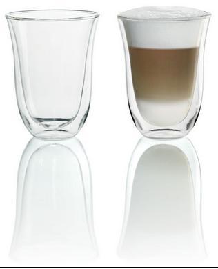 Чашки DeLonghi Лате МакиатоАксессуары для кофемашин<br><br><br>Описание: сохраняют тепло лучше, чем обычные стаканы. Изящная форма. За счёт двойного стекла оберегают руки от обжигания. Прочное баросиликатное стекло.