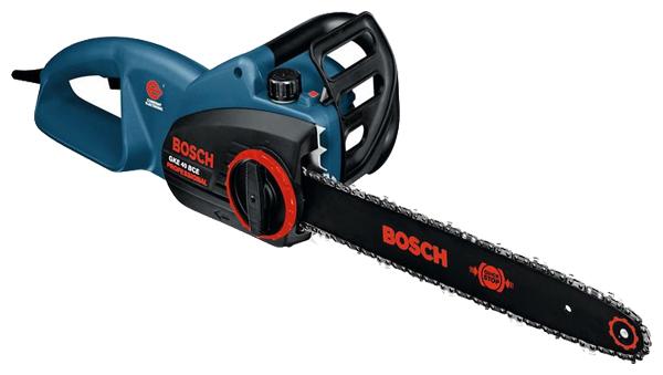 Электрическая цепная пила Bosch GKE 40 BCE [0601597703]Пилы<br><br><br>Тип: электрическая цепная<br>Конструкция: ручная<br>Мощность, Вт: 2100<br>Функции и возможности: плавный пуск, электронная защита двигателя, тормоз цепи<br>Дополнительно: длина сетевого кабеля 2.5 м