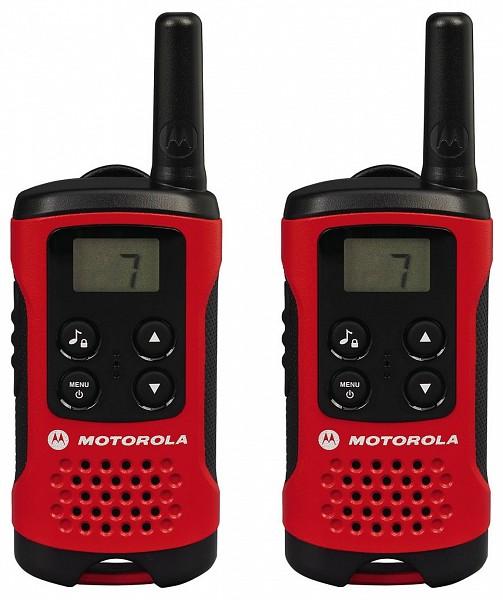Комплект радиостанций Motorola TLKR-T40Радиостанции<br>Простые, компактные и удобные рации для всей семьи. Вы можете пользоваться ими в магазине, на пляже или просто в саду — TLKR T40 идеально подходят для поддержания связи между членами вашей семьи на отдыхе.<br><br>Тип: Комплект радиостанций<br>Стандарт: PMR<br>Диапазон частот: 446-446.1 МГц<br>Радиус действия: 4 км<br>Количество каналов: 8<br>Функция монитора канала связи: есть