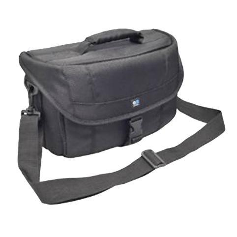 Сумка Kenko Tokina AOC ATISH06BKСумки, рюкзаки и чехлы<br>Серия создана для начинающих фотолюбителей из ультрапрочного нейлона 1860D. Крышка, помимо клапанной защелки, имеет застежку-молнию, что предотвращает попадание брызг и пыли. Удобные и вместительные карманы для мелких аксессуаров, регулируемый наплечный ремень . Модели в серии отличаются размерами и вместимостью<br><br>Тип: сумка