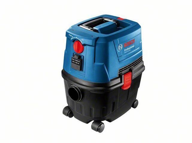 Пылесос Bosch GAS 15 PS [06019E5100]Пылесосы<br>Пылесос Bosch GAS 15 PS Professional - компактный, практичный и функциональный строительный пылесос профессионального уровня, который поможет Вам быстро и качественно убрать строительный мусор, жидкости, а также устранить пыль при работе с электроинструментами..<br><br>Продуманная система крепления мусорных мешков позволяет использовать этот пылесос как с профессиональными пылесборниками, так и с бытовыми. Это позволяет существенно съэкономить на расходных материалах. Удобная система переключения режимов позволяет Вам качественно произвести не только ...<br><br>Тип: Пылесос<br>Потребляемая мощность, Вт: 1100<br>Тип уборки: Сухая\влажная<br>Регулятор мощности на корпусе: Нет<br>Пылесборник: Контейнер<br>Емкостью пылесборника : 15 л