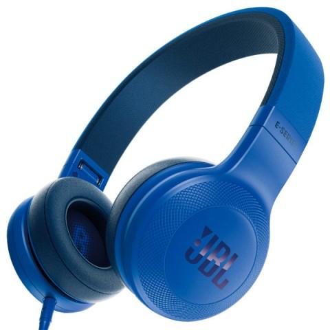 Наушники JBL E 35 BlueНаушники и гарнитуры<br><br><br>Тип: наушники<br>Тип акустического оформления: Закрытые<br>Тип подключения: Проводные<br>Диапазон воспроизводимых частот, Гц: 20-20000<br>Сопротивление, Импеданс: 32 Ом<br>Микрофон: есть