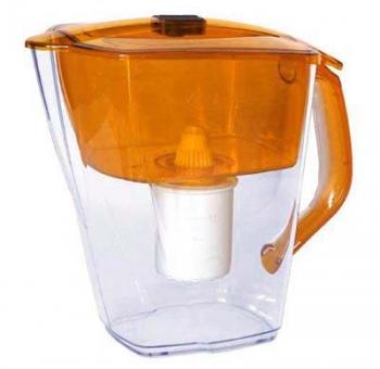 Кувшин Барьер Гранд NEO AmberФильтры и умягчители для воды<br>Кувшин изготовлен из высококачественного пластика BASF, допущенного для контакта с питьевой водой и укомплектован воронкой, уникальная конструкциия которой препятствует попаданию неочищенной воды и пыли в отфильтрованную воду.<br><br>Тип: фильтр-кувшин<br>Тип фильтра: кувшин<br>Подключение к водопроводу: нет<br>Фильтрующий модуль в комплекте: есть<br>Ресурс стандартного фильтрующего модуля: 350 л<br>Помпа для повышения давления: нет