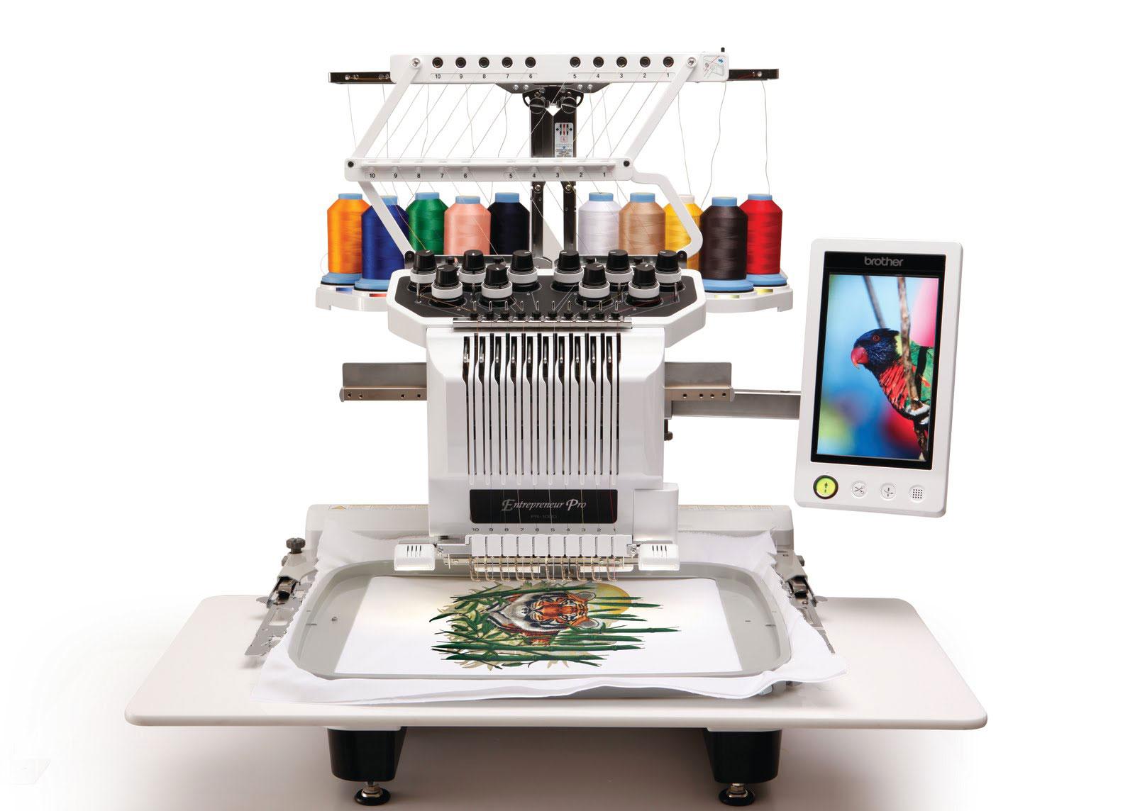Вышивальная машина Brother PR-1000eШвейные машины<br>PR-1000e - это идеальная машина для совершенствования Вашего вышивального бизнеса. Она включает в себя множество новых функций, которые в комплексе способствуют повышению производительности. Вышивальная машина PR-1000e предлагает 10 игл для использования более широкого ассортимента цветов ниток, очень большую область для вышивания, видеокамеру для позиционирования и технологичный, простой в использовании сенсорный дисплей со множеством функций, позволяющих редактировать и просматривать рисунки.<br><br>10 игл <br>Великолепные, многоцветные вышивки будут...<br><br>Тип: электронная<br>Тип челнока: вертикальный (ротационный)<br>Дисплей: есть<br>Нитевдеватель: есть<br>Автоматический обрезатель нити: есть<br>Скорость вышивания, стежков/мин : 1000<br>Число встроенных рисунков вышивания : 110<br>Число встроенных алфавитов вышивания  : 28